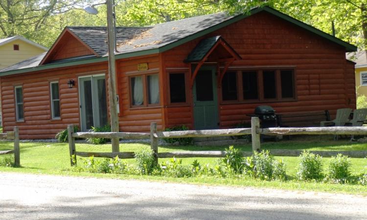 1-cottage-exterior