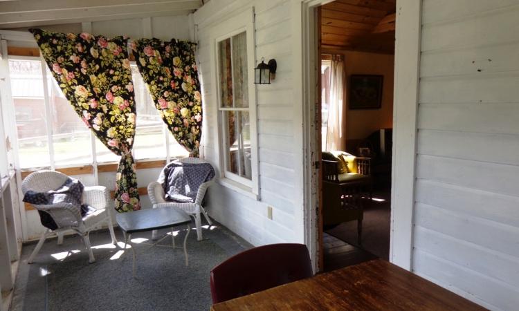 2-bungalow-porch
