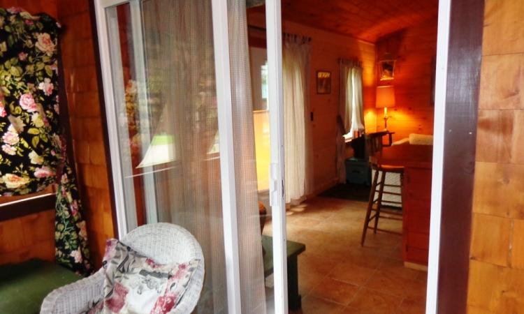 3-cottage-porch-to-l-r