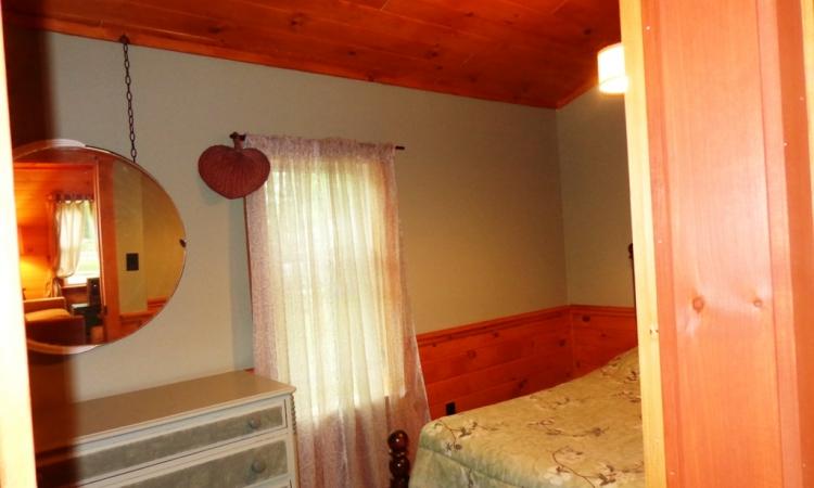 8-cottage-full-room