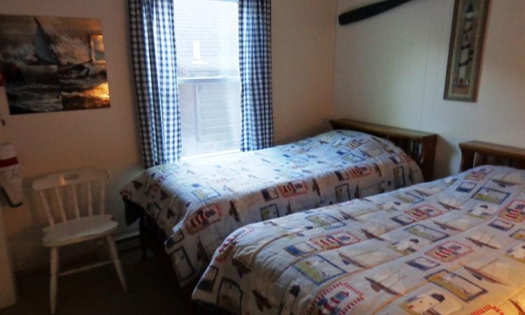 8-twin-room
