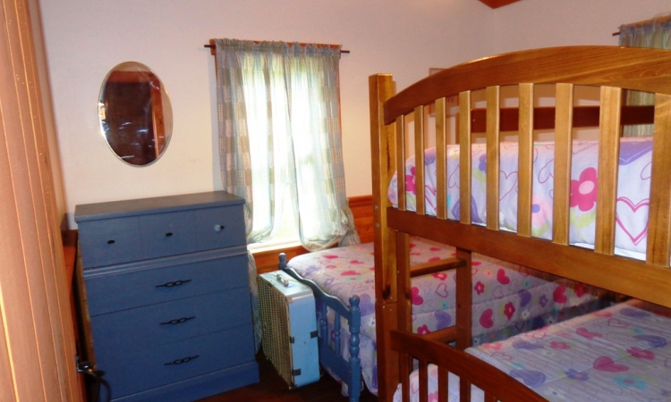 9-cottage-bunk-room